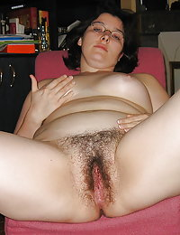 Beeg nude pictures of hairy pussy brunette babes