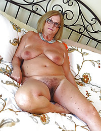 Beeg hairy mature ebony babes