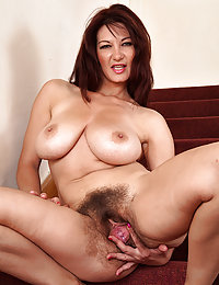 Beeg hairy ebony babes videos