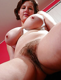 Beeg hot babes hairy pussy