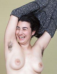 Wara skinny hairy milf cunnilingus